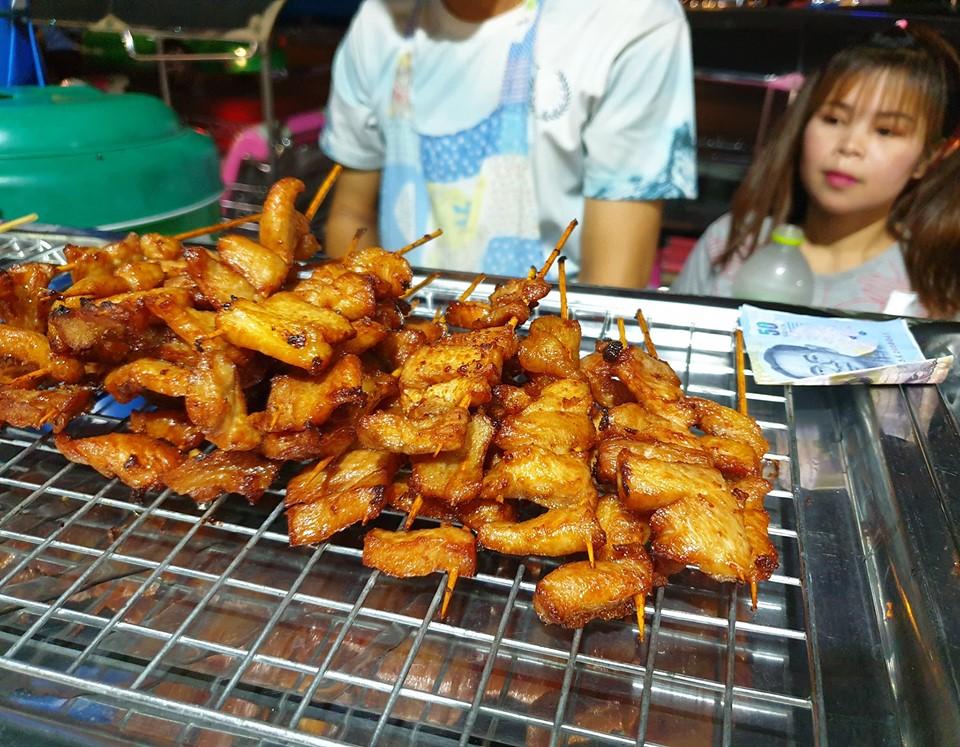 Thịt nướng ở Neon Market