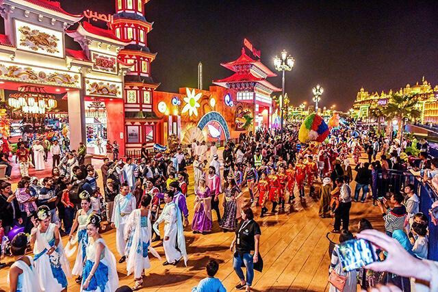 """Rất nhiều hoạt động mua sắm, giải trí vui chơi quên lối về đang chờ bạn khám phá tại """"Ngôi làng toàn cầu"""" Dubai"""