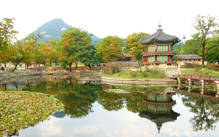 Vườn thượng uyển trong Cung điện Gyeongbokgung