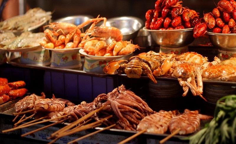 Phố ẩm thực Trung Sơn