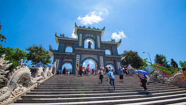 Chùa Linh Ứng là điểm tham quan không thể bỏ lỡ khi du lịch Đà Nẵng