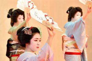 Đi du lịch Nhật Bản để xem Geisha biểu diễn