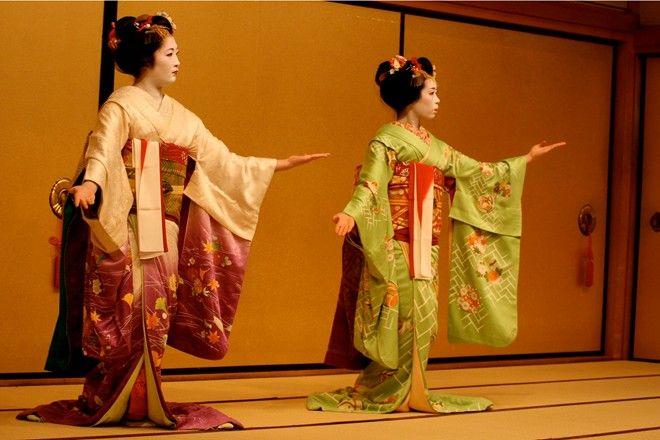 Xem Geisha biểu diễn khi đi tour Nhật Bản