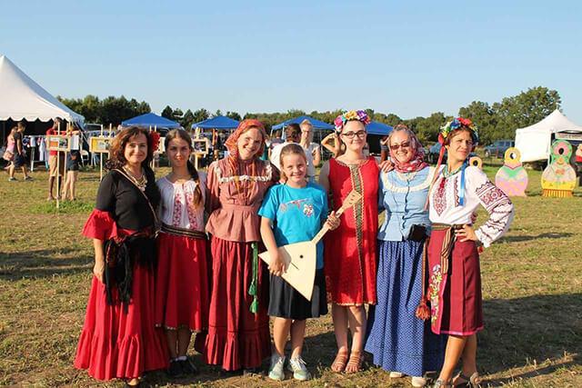 Tham gia tour Nga để cùng khám phá tính cách lối sống của người bản địa