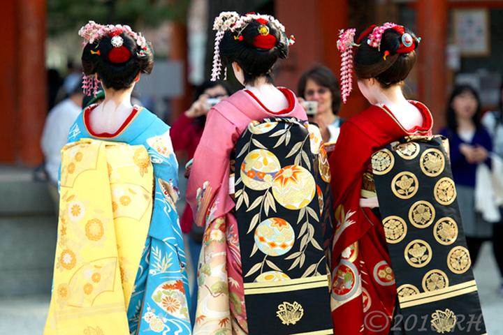 Kinomo là trang phục thường xuyên được các Geisha lựa chọn