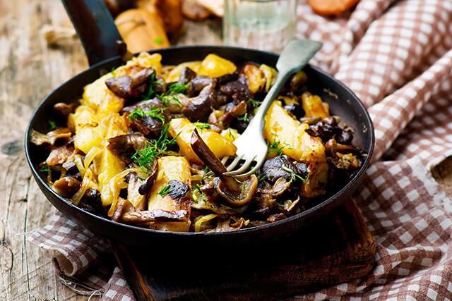 Có tới hàng tá món ăn thơm ngon ở Nga được chế biến từ khoai tây