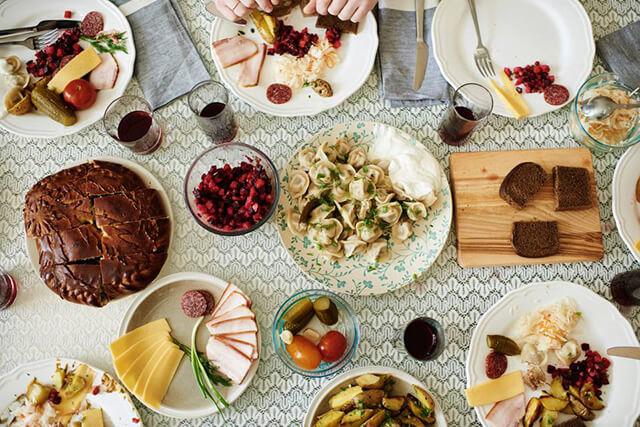 Ẩm thực Nga không chỉ hấp dẫn du khách bởi hương vị độc đáo mà còn bởi những thói quen ăn uống của người bản địa