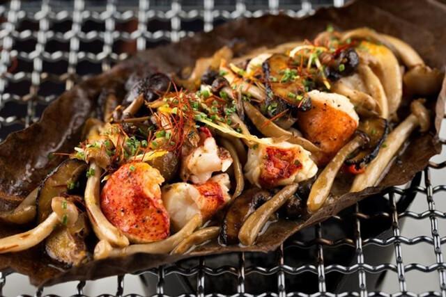 Song song với những món ăn đường phố giá bình dân thì ở Dubai còn cung cấp cho du khách nhiều món ăn có mức giá đắt đỏ