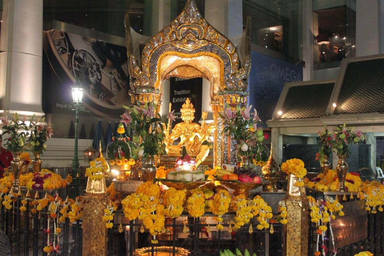 Tượng Phật bốn mặt (Tứ Diện Thần) đặt tại đền Erawan