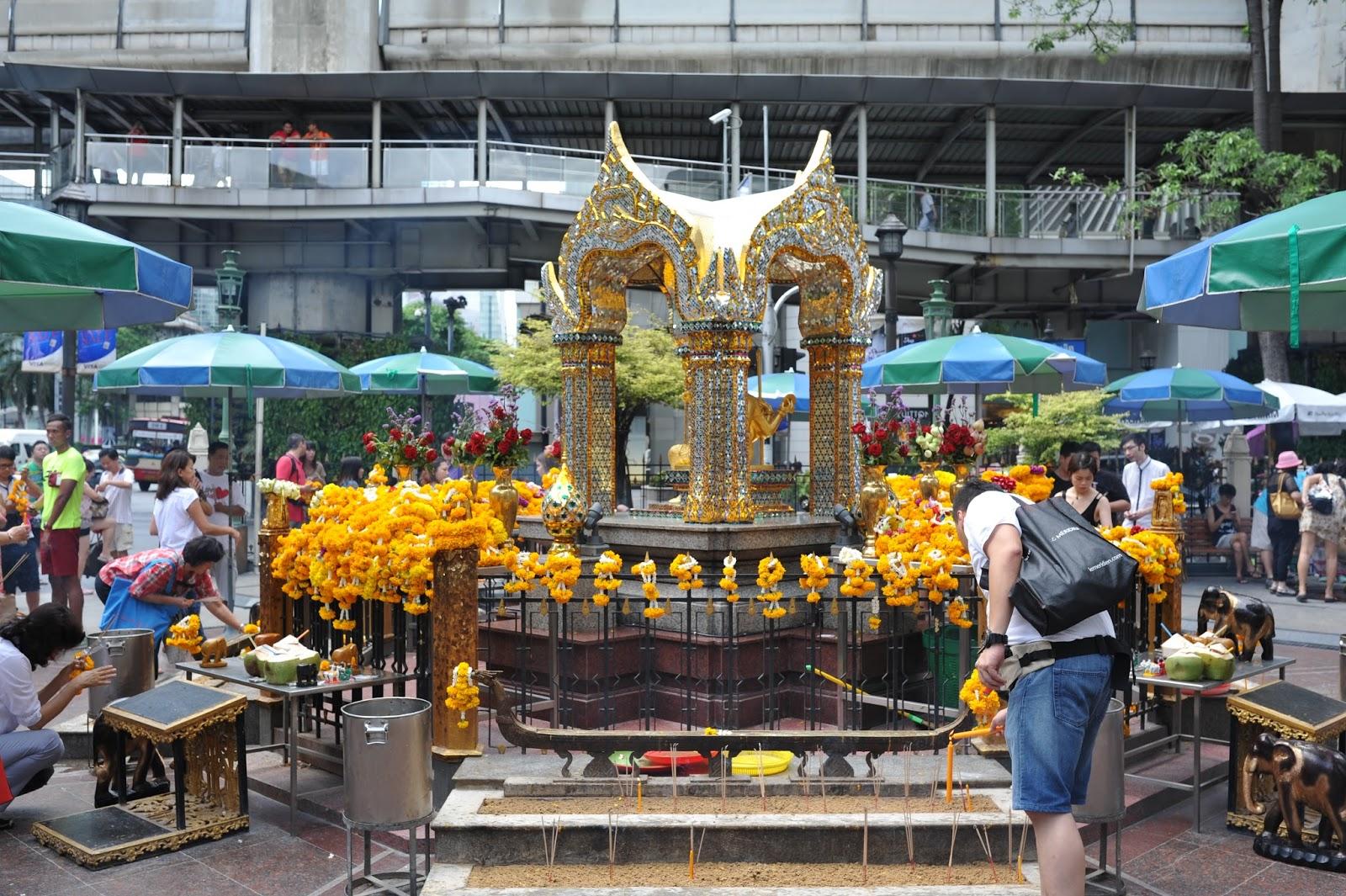 Đền Erawan thờ thần 4 mặt tại Thái Lan