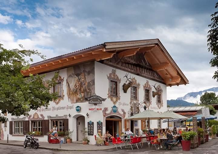Thị trấn cổ Garmisch Partenkirchen