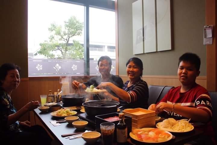 Thưởng thức lẩu Shabu Shabu khi đi tour Nhật Bản