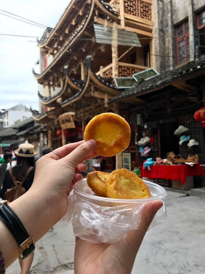 Bánh bắp chiên 5 tệ mình mua ở Phù Dung trấn