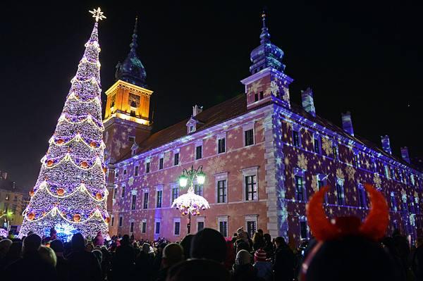 Đi nhà thờ vào đêm Giáng sinh