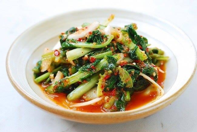 Yeolmu-kimchi (Kim chi củ cải non mùa hè)