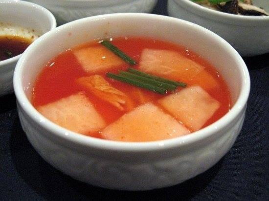 Nabak-kimchi (Kimchi nước)