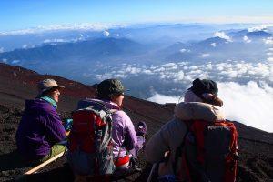 Leo núi Phú Sĩ khi đi tour Nhật Bản cần những gì?
