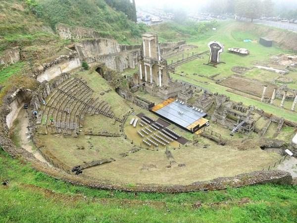 Nhà hát La Mã cổ