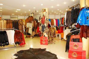 Tham quan cửa hàng đồ da Leather Factory Outlet khi đi tour Thái Lan