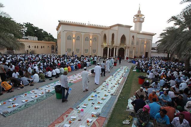 Tôn trọng niềm tin tôn giáo của người dân địa phương trong tháng lễ Ramadan