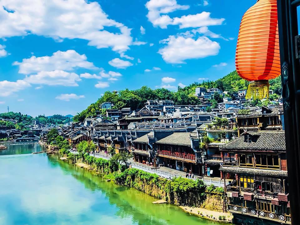 tour du lịch Phượng Hoàng cổ trấn trọn gói