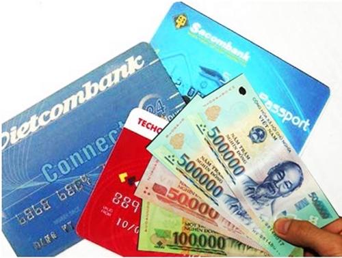 Tiền và giấy tờ tùy thân