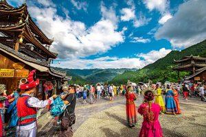 Thăm Tây Giang Miêu Trại trong chuyến du lịch Quý Châu