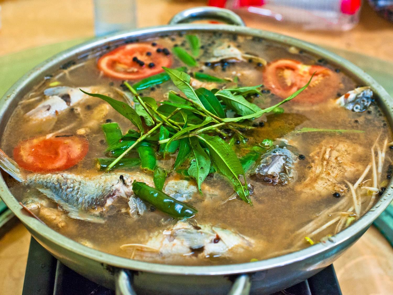 Món canh cá chua, Qúy Châu