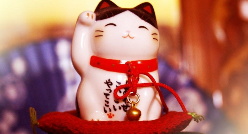 Chú mèo Maneki Neko may mắn Nhật Bản