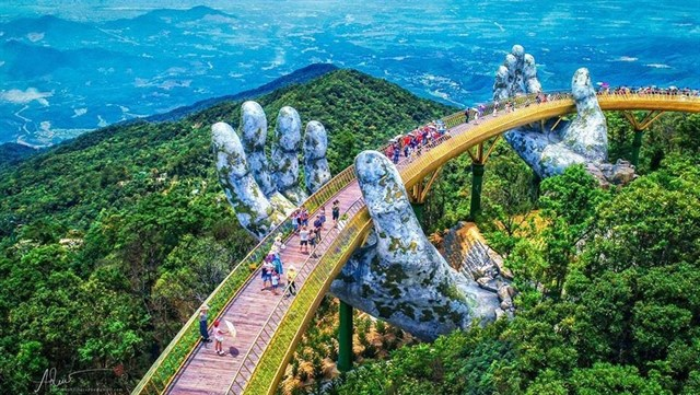 Cầu Vàng - Bà Nà Hills ở Đà Nẵng