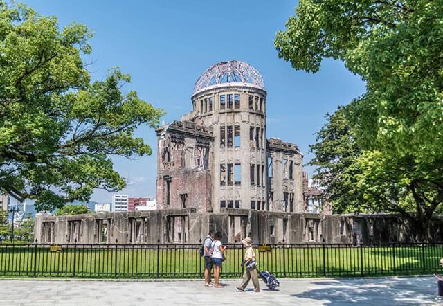 Khu tưởng niệm hòa bình Genbaku Dome là địa điểm tham quan không thể bỏ lỡ tại thành phố Hiroshima, Nhật Bản