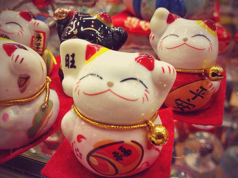 Ý nghĩa về màu sắc các chú mèo Maneki Neko khác nhau