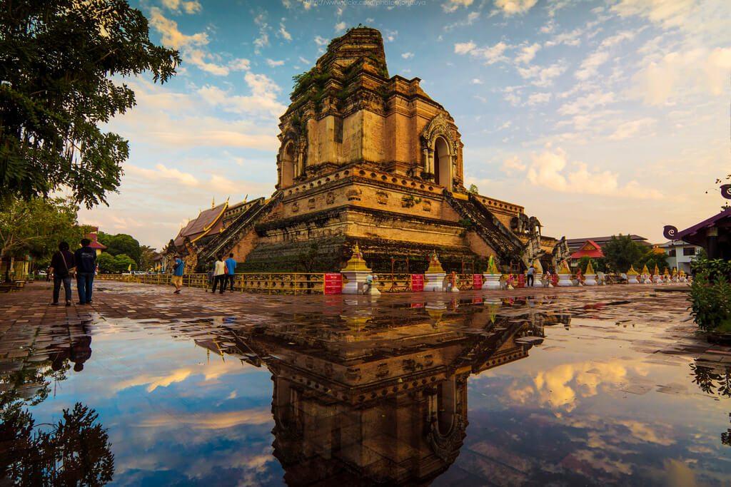 Chùa Chedi Luang (Wat Chedi Luang)