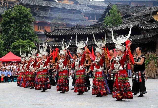 Người Miêu có nhiều hoạt động văn hóa, nghệ thuật, lễ hội diễn ra trong năm