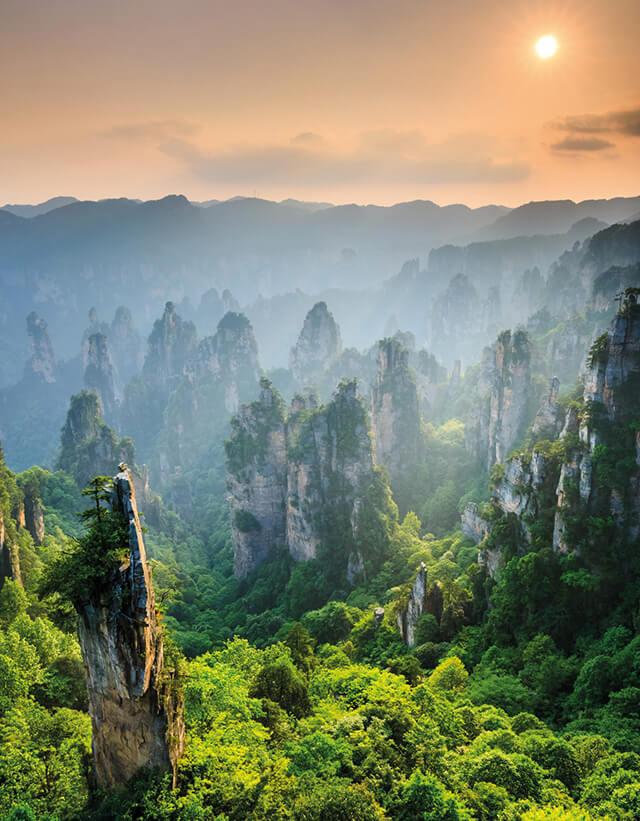 Công viên Trương Gia Giới nổi tiếng với hình dáng độc đáo của các đỉnh núi và hàng nghìn trụ thạch saCông viên Trương Gia Giới nổi tiếng với hình dáng độc đáo của các đỉnh núi và hàng nghìn trụ thạch sa