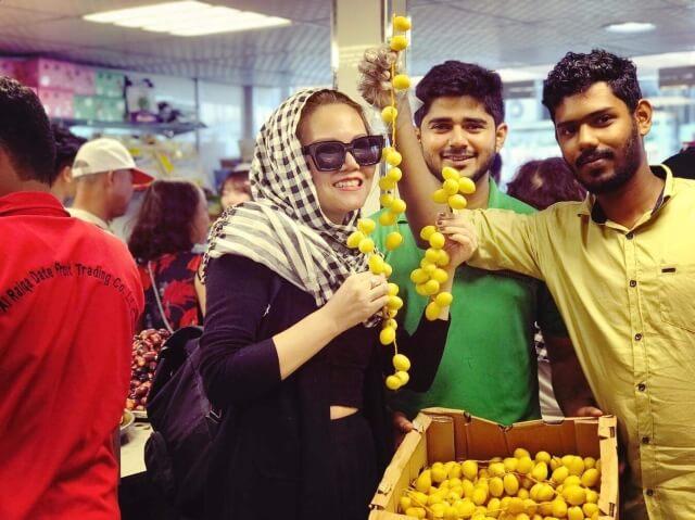Mua quả chà là tươi, khô về làm quà khi đi du lịch Dubai.