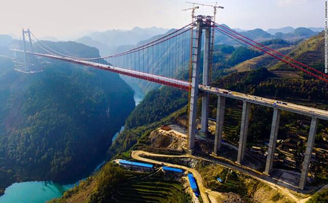 Cây cầu treo Thanh Thủy khổng lồ tại Quý Châu