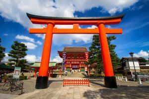 Khám phá ngôi đền Fushimi Inari Taisha khi đi du lịch Nhật Bản