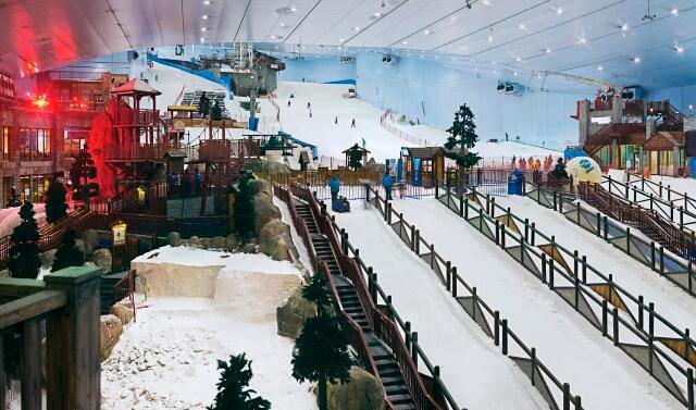 Công viên trượt tuyết trong nhà Ski Dubai chắc chắn sẽ là một địa điểm hấp dẫn cho bất kỳ ai đam mê trượt tuyết.