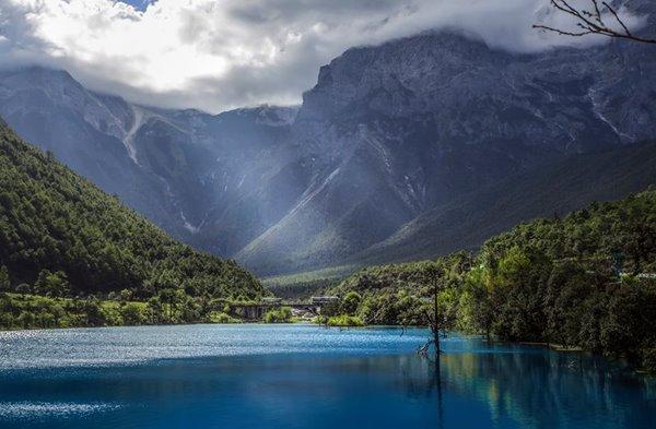 Thung lũng trăng xanh - Lam Nguyệt Cốc
