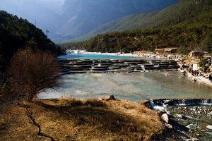 Du lịch Lệ Giang để ghé thăm thung lũng trăng xanh – Lam Nguyệt Cốc