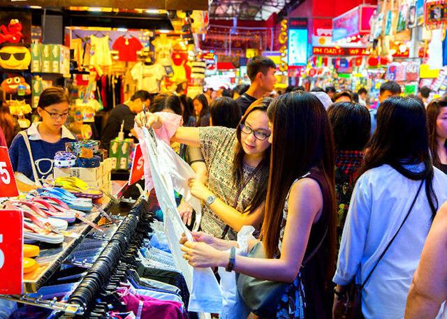 """Nhật Bản là """"thiên đường"""" mua sắm với vô số thương hiệu quần áo, mỹ phẩm, sản phẩm làm đẹp, đồ gia dụng điện tử,..."""