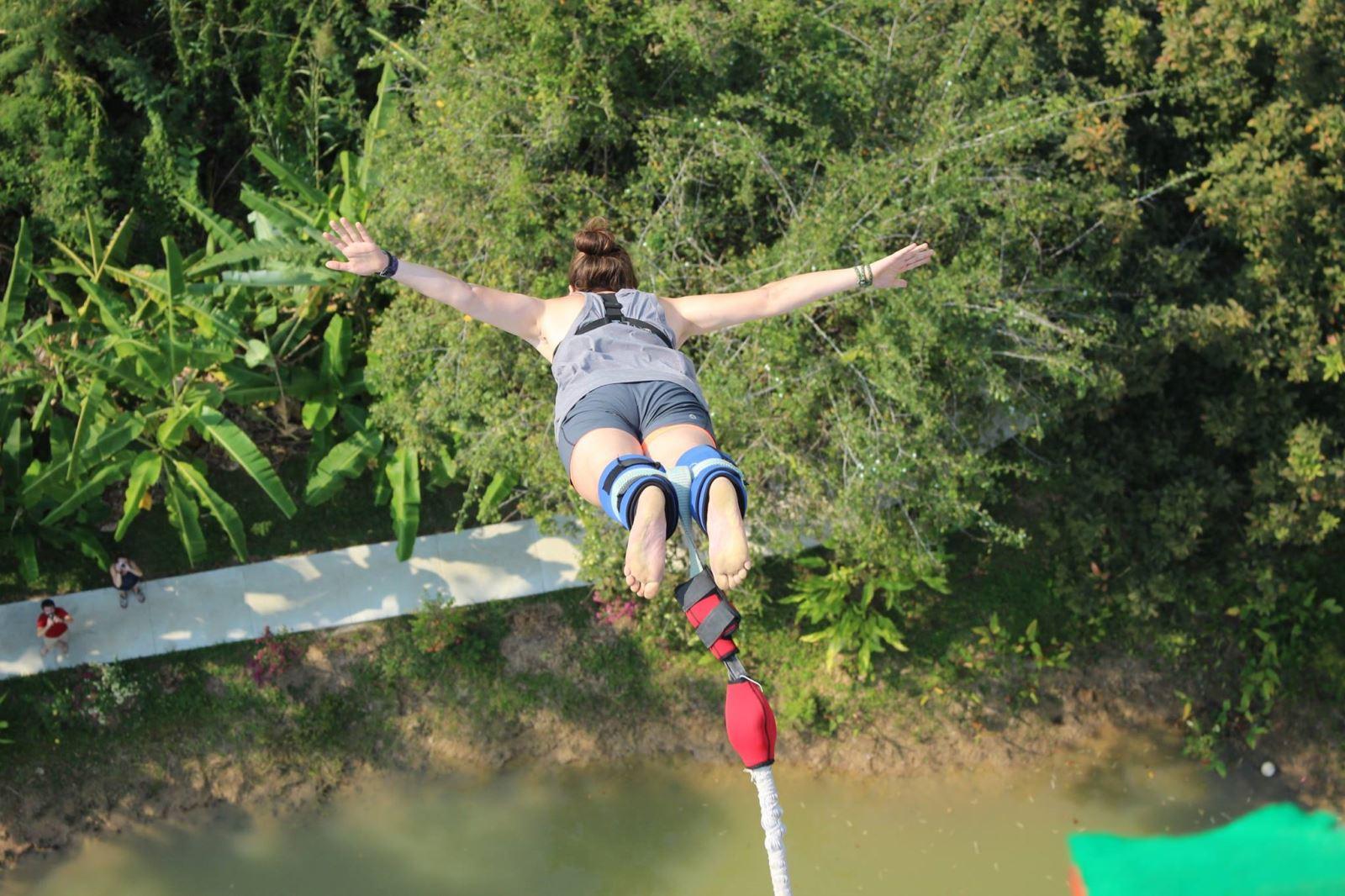 Nhảy bungee ở Chiang Mai Thái Lan