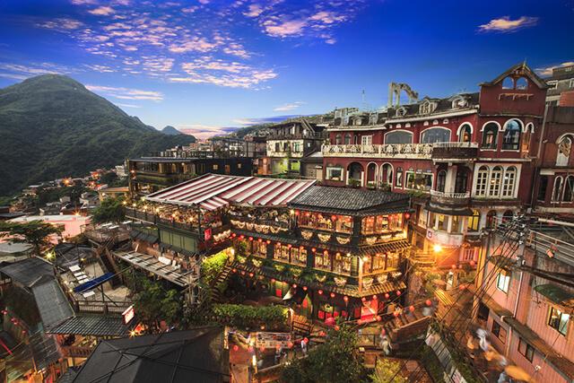 Ngôi làng cổ Cửu Phần là địa điểm tham quan nổi tiếng hàng đầu trong tour Đài Loan