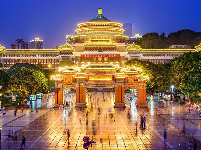 Khung cảnh huyền ảo, rực rỡ của Đại lễ đường Nhân dân Trùng Khánh vào ban đêm