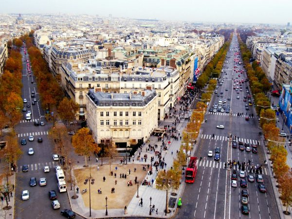 đại lộ ánh sáng Champs – Elsees nước Pháp