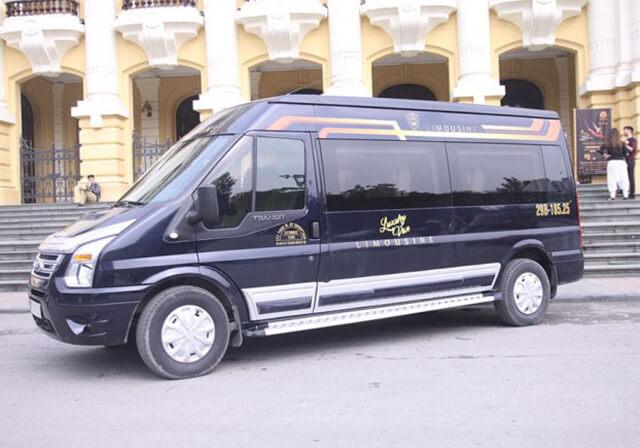 Sapa Luxury Van hỗ trợ đón du khách tại khu vực phố cổ và trung chuyển đến các khách sạn ở nội thành Sapa