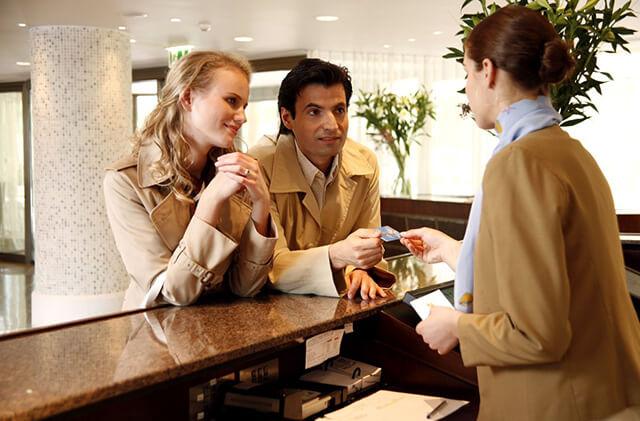 Những cặp đôi chưa kết hôn không được ở chung phòng khi du lịch Dubai