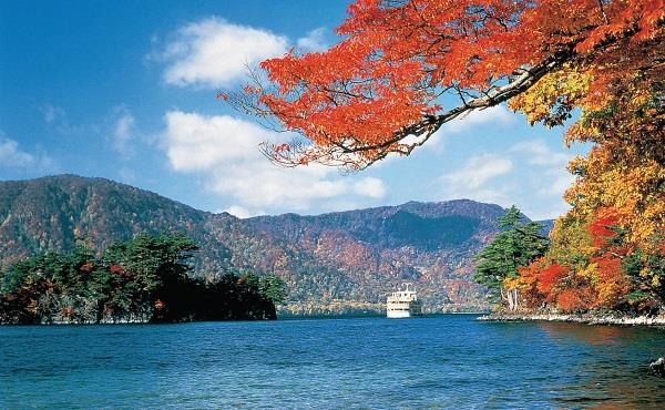 Hồ Towada và suối Oirase