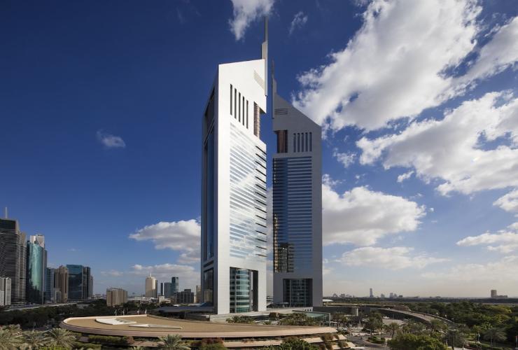 khach-san-jumeirah-emirates-towers-dubai